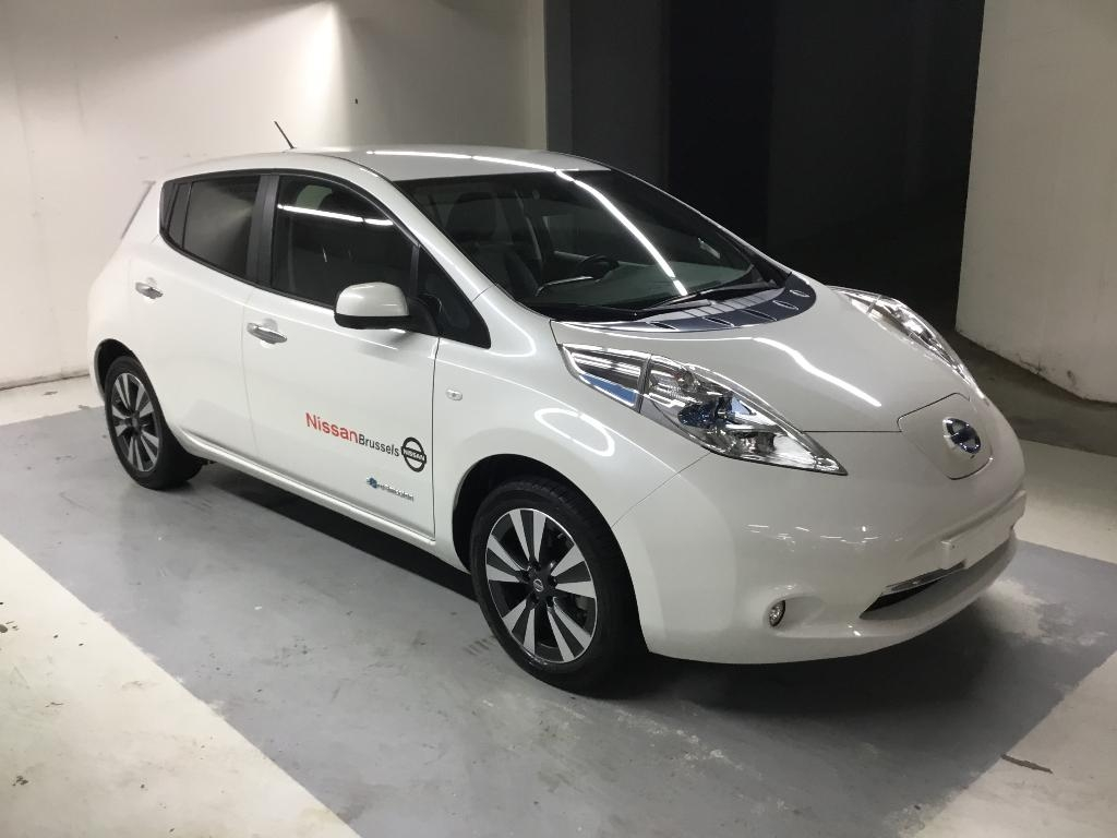 voiture lectrique occasion nissan leaf 24 kwh nissan leaf 24kw teknal solar panel. Black Bedroom Furniture Sets. Home Design Ideas