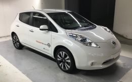 Nissan Leaf 24KW Teknal + Solar Panel